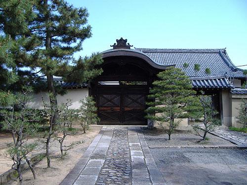 大徳寺塔頭 総見院